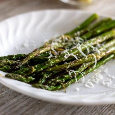 Lemony Garlic Sauteed Asparagus