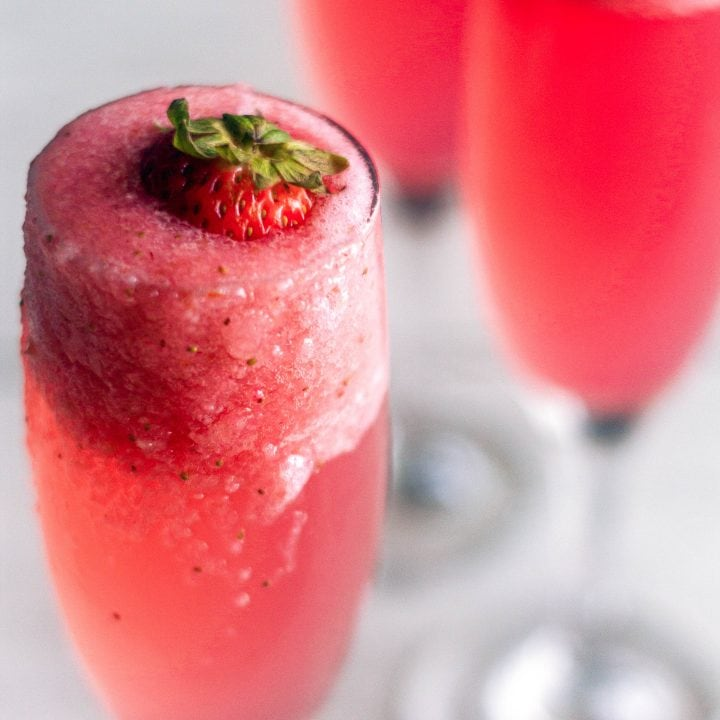 Rossini Cocktail (Strawberry Bellini)
