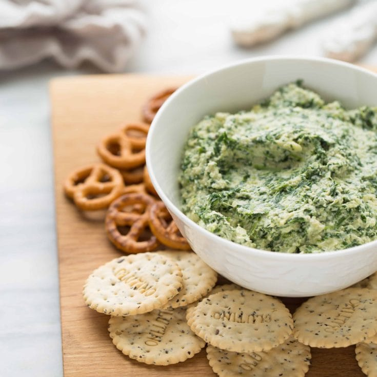 Clean-Eating Spinach Artichoke Dip {Dairy-Free}